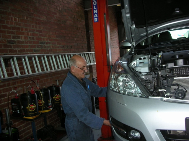 Cheap Car Mechanics Near Me >> Jim Yeates -Car mechanics -Viva Auto Repair