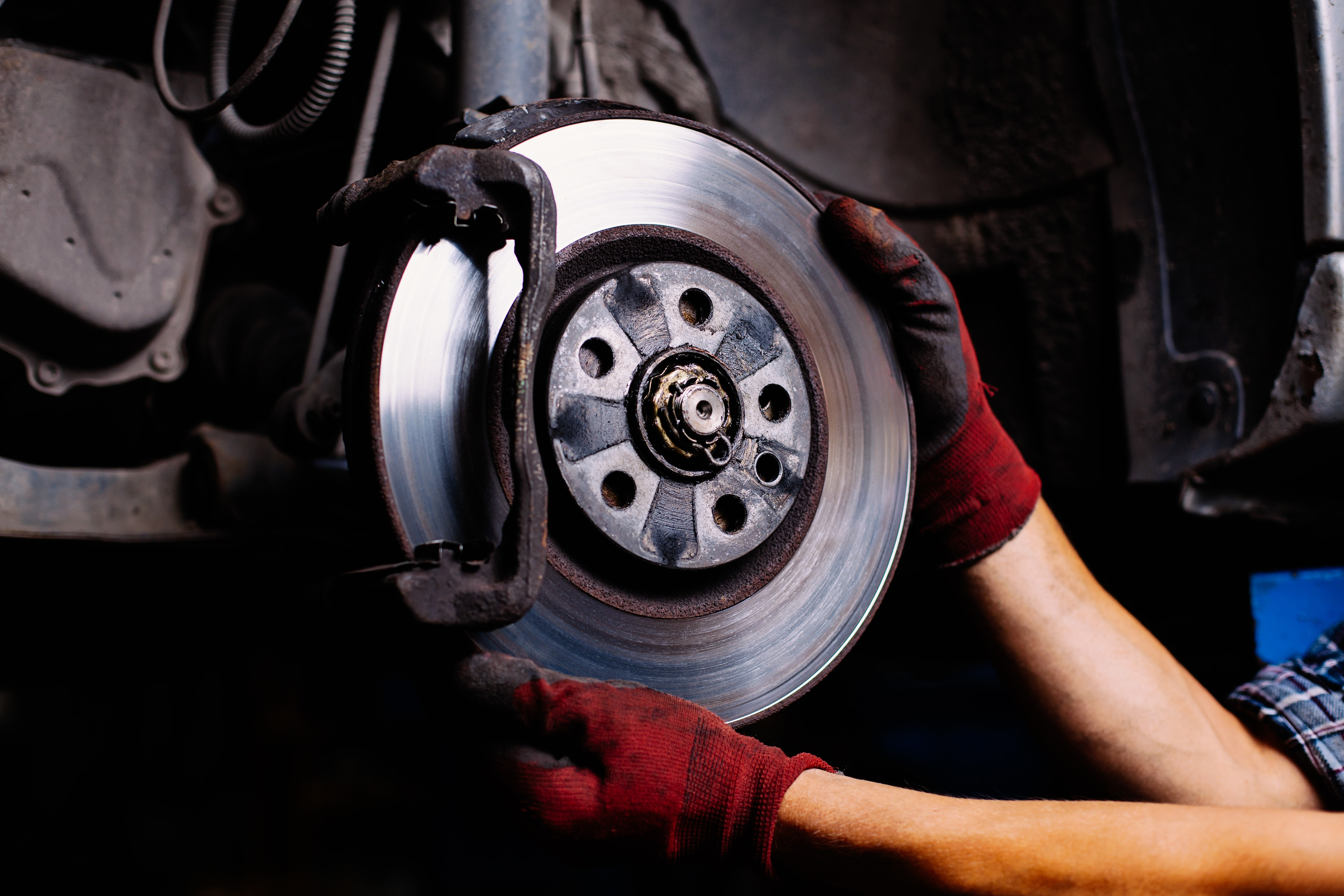signs your car needs new brakes